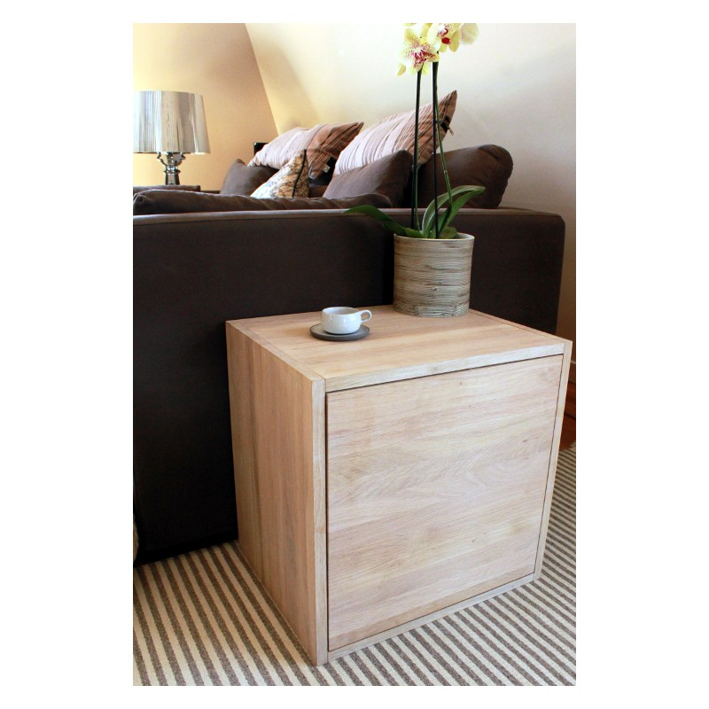 cube de rangement avec tag re et porte en bois de ch ne massif blanchi. Black Bedroom Furniture Sets. Home Design Ideas